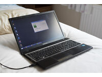 Samsung Laptop NP300V5Z - i5, GT 520mx, 8GB, 640 GB HDD, Win 8 Pro