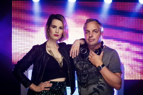 DJ - DJ and Lady Laura - plugify.nl