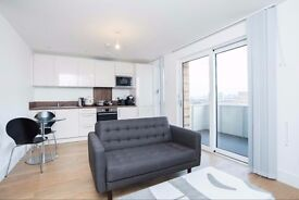 *** STUNNING 9th FLOOR 1 BEDROOM APARTMENT IN THE HEART OF BOW ***