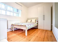 Amazing refurbished 4 bedroom flat in Clapham North! Book your viewing now!