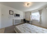GORGEOUS ONE BED FLAT IN THE HEART OF LITTLE VENICE AVAILABLE NOW CALL RICKY FOR VIEWINGS07527535512