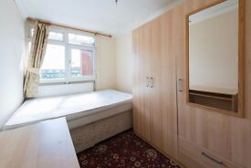 Single Bed in Rooms for rent in 5-bedroom flatshare close to the station