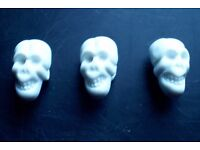 3 Skull Buttons with shank (New)