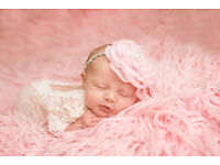 My name is Iva. I'm a Newborn baby, children and family photographer based in Belfast.