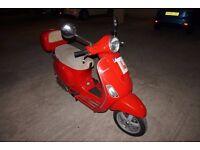 **VESPA PIAGGIO LX 125 - RED***