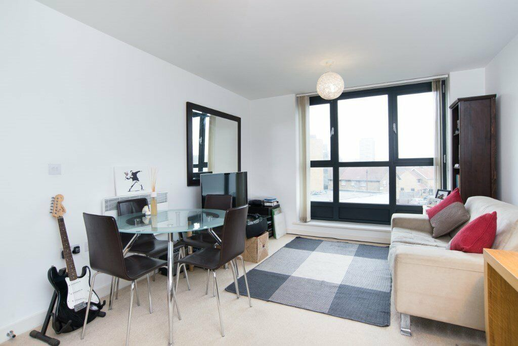**The Sphere** LOCATED OPPOSITE CANNING TOWN JUBILEE STATION , 24hr concierge, furnished,