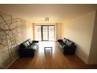 Large 3 double bed 2 bath flat, furnished, walk to station, 24hr concierge, canal side dev NO ADMIN