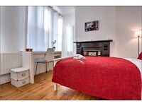 Fully furnished double room perfect for professionals or students! View NOW!
