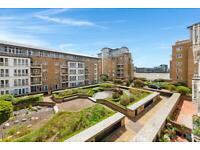 3 bedroom flat in St David's Square, Isle of Dogs, London E14