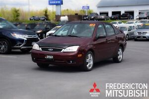 2007 Ford Focus SES! AUTO! AIR! LEATHER! SUNROOF!