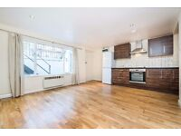 Stunning 2 Bedroom flat on Offord Road London N1 with shared garden