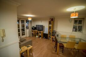 2 Bed 2 Bath Flat in Battersea