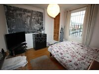 Large studio flat with separate kitchen! Wandsworth Council! CALL TODAY! Perfect for couple