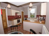 Student Flats £124pppw: Edinburgh Festival Let: 5 Bed, Lounge, Dining kitchen, 2 bath