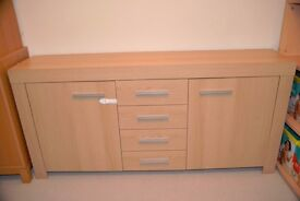 Solid side board with two cupboards and four drawers - Very good condition