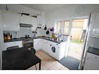 WOWOW!!LONGMEAD ROAD-SW17-4 DOUBLE BEDROOM HOUSE WITH 3 BATHROOMS AND LARGE PRIVATE GARDEB