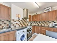 SW17 7HJ - TRINITY ROAD - A STUNNING EXTRA LARGE DOUBLE ROOM WITH BILLS INCLUDED EXCEPT ELECTRIC