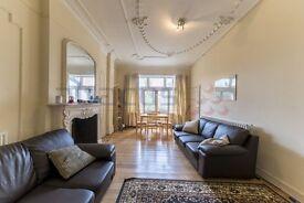 A Lovely 3 x Bedroom Garden Flat - 5 minutes from Kilburn Station - 07473-792-649