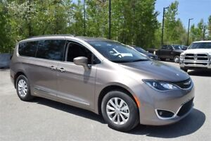 2017 Chrysler Pacifica Touring-L+7 passagers+Navigation+Super Ra