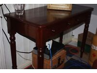 VICTORIAN MAHOGANY SIDE / HALL TABLE