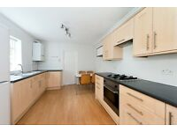 ELFORT ROAD, N5: - LARGE LIVING SPACE - BEAUTIFUL ONE BED -FURNISHED OR UNFURNISHED -GARDEN