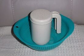 Greeny Blue Plastic Colander, 9 inches across & Plastic Flour Sifter / Shaker Histon