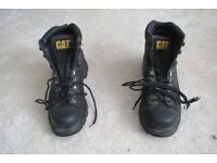 CATERPILLAR BOOTS IN BLACK SIZE 9 USED BUT PLENTY OF WEAR LEFT IN THEM