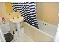* SMALL DEPOSIT *Have a look today at this large and bright double room in East Acton!