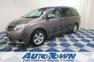 2011 Toyota Sienna LE/7 PSSGR/LOCAL/NO ACCIDENTS/ALLOY WHEELS