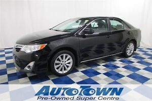2012 Toyota Camry XLE/SUNROOF/LEATHER INTERIOR/USB OUTLET