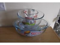 Set of 3 Brand New Pyrex Dishes