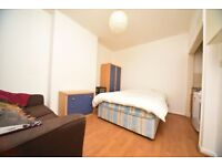 Studio Flat in Cricklewood. DSS Accepted.