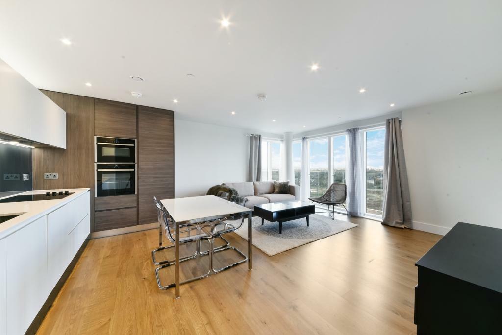 40 Bedroom Flat In Patterson Tower Kidbrooke Road London SE40 In London Gumtree Custom Two Bedroom Flat In London Property