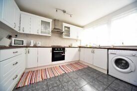 5 Bedroom House in Colindale.