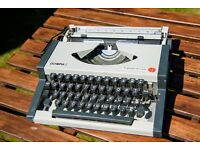 Olympia Traveller Deluxe S Typewriter Portable