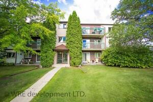 Park Villa West: Country Living in Sunny St James / Assiniboia!
