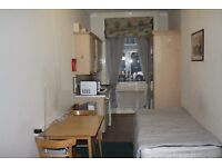 SPACIOUS BEDSIT APARTMENT IN BAKER STREET