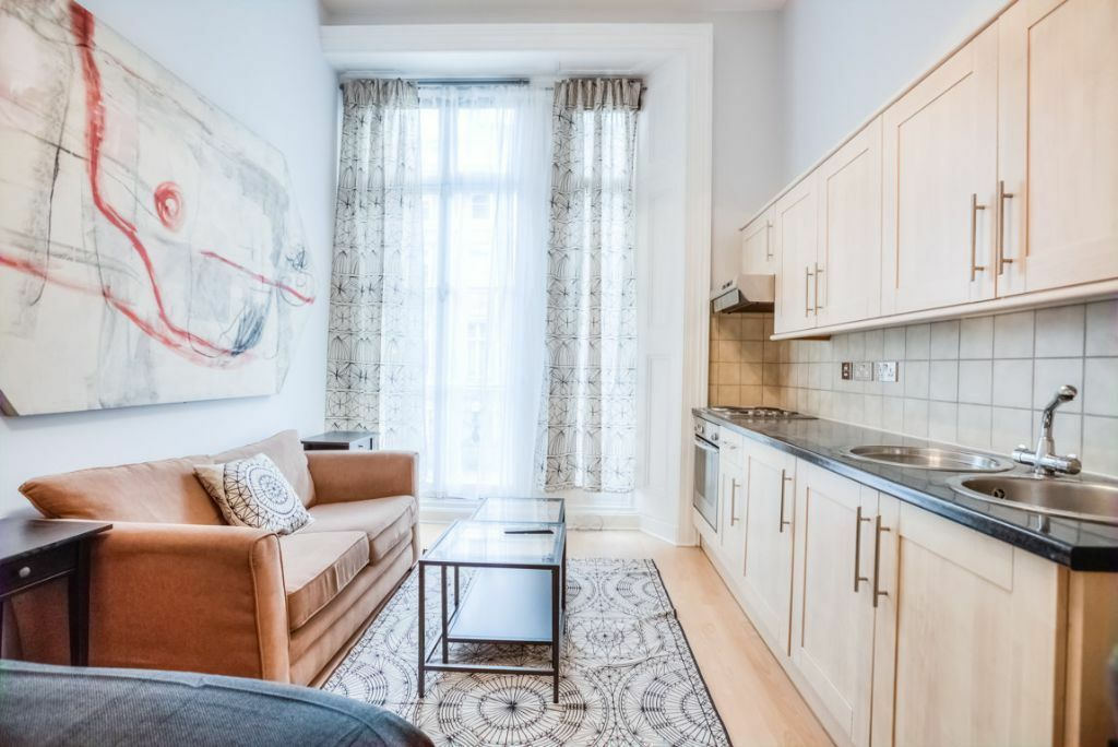 **AMAZING NEWLY REFURBISHED STUDIO FLAT**NO MINIMUM TERM**SOUTH KENSINGTON**