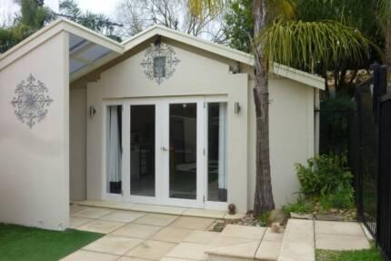 Modern studio in leafy Glenunga for short-term rent