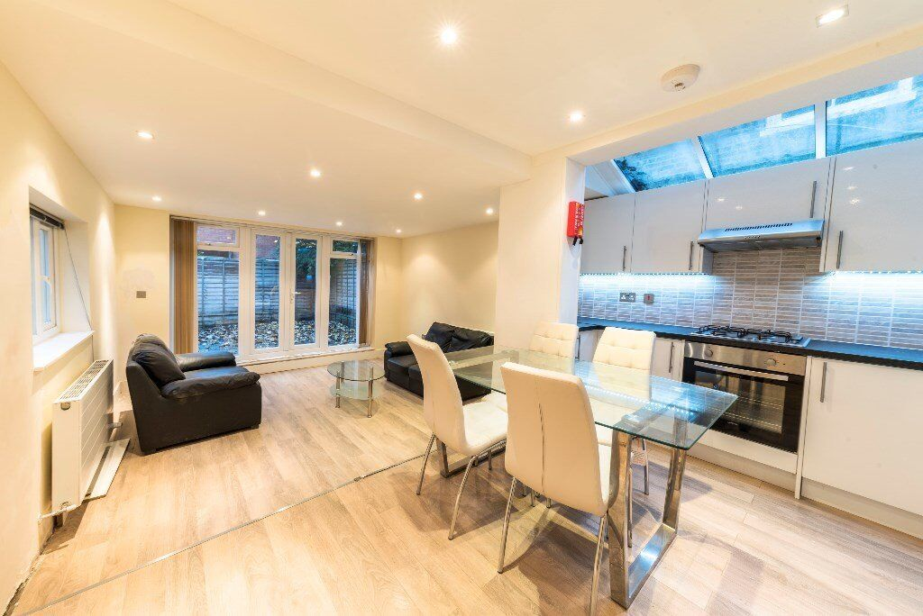 ABSOLUTE MUST SEE BEAUTIFUL 2 BED FLAT-EN SUITE-CLOSE TO TRANSPORT NETWORKS-CALL RICKY 07527535512