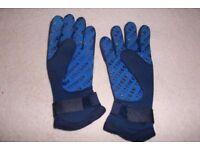 Typhoon Gloves