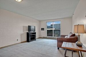 Limited Time Free October Rent. Great Downtown 1 BR Apartment!