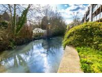 2 bedroom flat in The Rope Walk, Canterbury, CT1