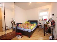 Modern 3 double bedroom flat in Archway