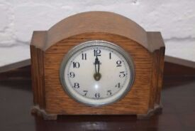 Vintage Smith's Clock (DELIVERY AVAILABLE)