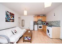Two Bedroom flat to Let in Voltaire Road, Clapham, SW4 6DQ