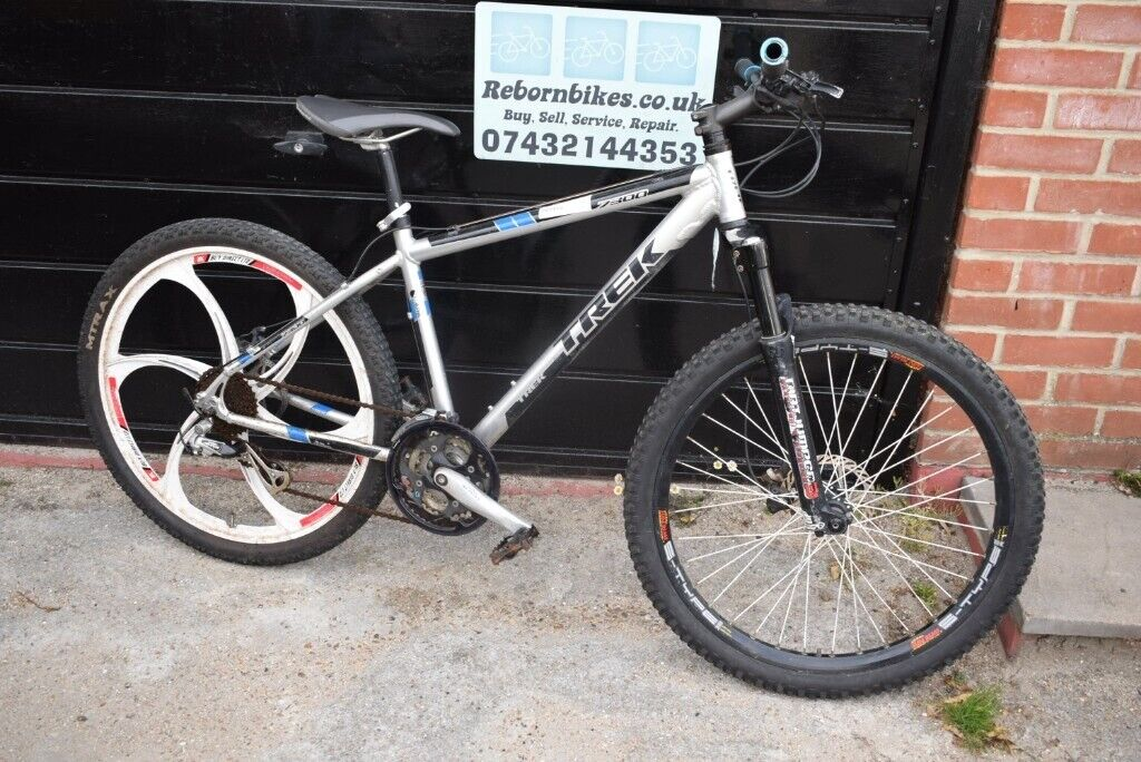 Trek 7300 Mens Mountain Bike 17 inch Alloy Frame 24 Speed  NO OFFERS (2 5)  | in Fareham, Hampshire | Gumtree