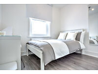Lovely room with brand new furniture, next to the tube station! Available September!