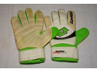 Goalkeepers gloves size 9