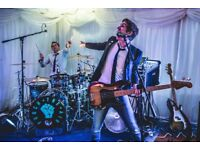 Replacement LEAD GUITARIST wanted for busy pro 3 piece Wedding guitar based rock & pop band Mids